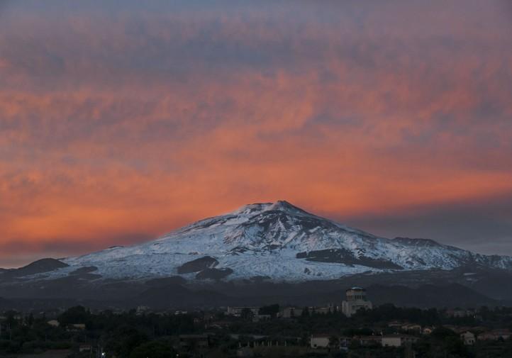 Veduta dell'Etna al tramonto