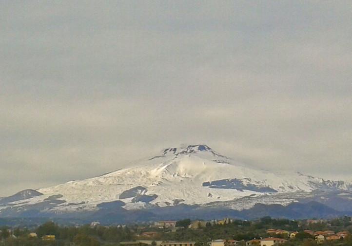 L'Etna, oggi dopo le nevicate degli ultimi giorni