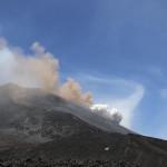 Eruzione dell'Etna, le immagini della nuova colata