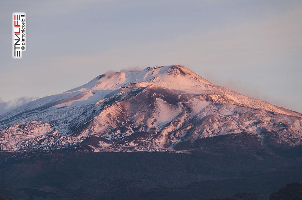 Etna con poca neve, in una foto dell'8 gennaio - © pietronicosia.it