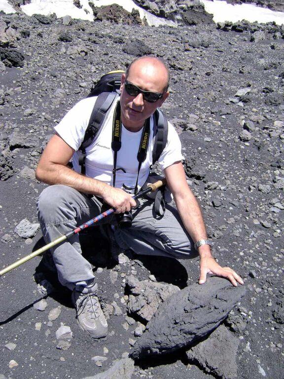 Prof. Rosolino Cirrincione, presidente del Corso di Laurea in Scienze Geologiche dell'Università di Catania (presso il dipartimento di Scienze Biologiche, Geologiche e Ambientali), responsabile della sezione di Scienze della Terra